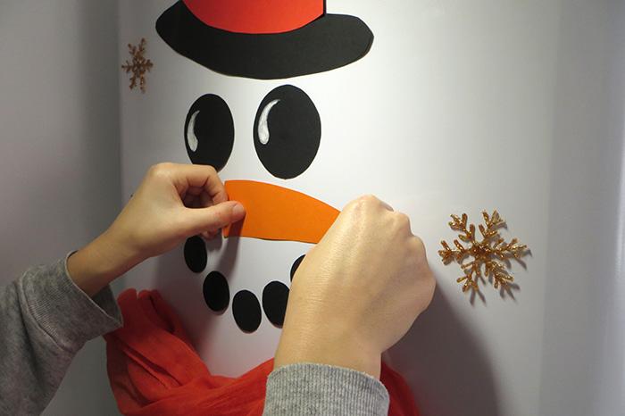 karácsony könnyű ünnepek gyerekekkel hóember tél konyha DIY karton család díszek dekoráció olcsó kreatív
