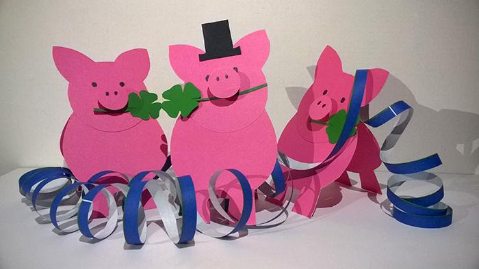DIY Szilveszter kreatív ünnepek közepes olcsó gyerekekkel család dekoráció képeslap karton újév malac búék