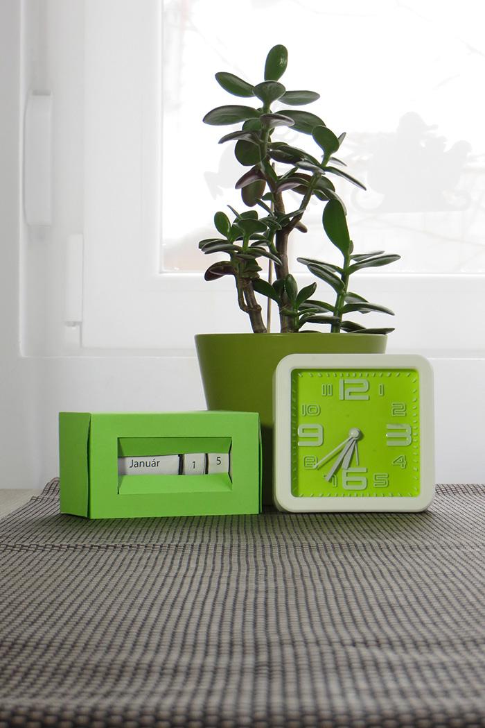 nehéz asztaldísz dekoráció DIY olcsó karton recycle újév újrahasznosítás naptár kreatív teásdoboz
