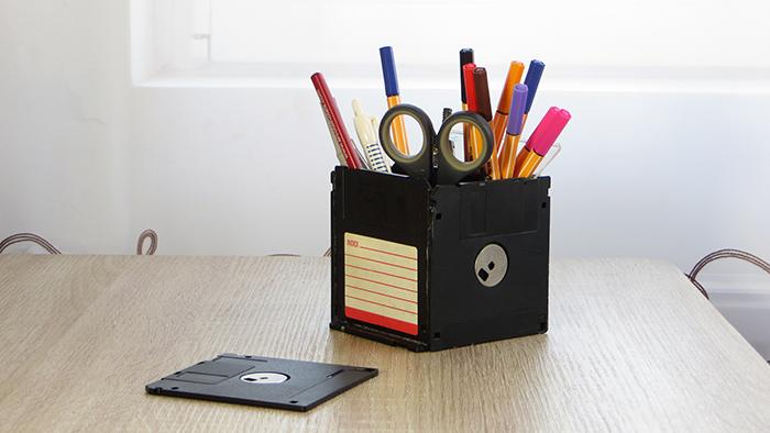 DIY újrahasznosítás kreatív floppy geek gyors közepes ragasztópisztoly tolltartó óra fülbevaló persely virágtartó