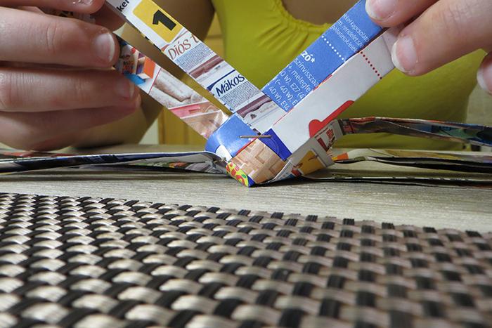 DIY olcsó közepes papírfonás tolltartó kreatív origami recycle újrahasznosítás újságpapír használati tárgy család