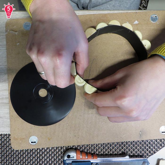 DIY borosdugó CD dekoráció közepes használati tárgy karton olcsó újrahasznosítás ragasztópisztoly
