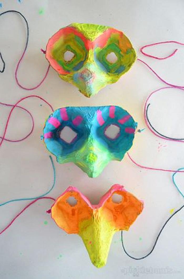 DIY farsang álarc közepes gyerekekkel maszk karnevál ünnepek olcsó tojástartó karton szuperhős cica lego