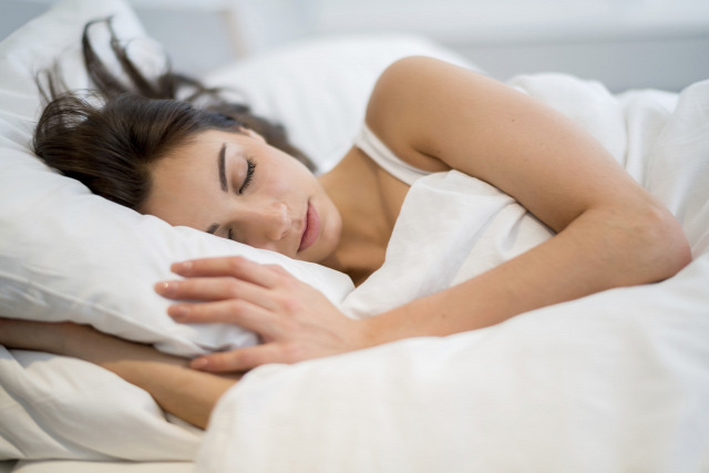 alvás pihentető alvás álmatlanság nem tudok aludni citromfű tea életmód