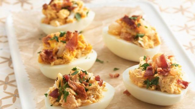 recept táplálkozás húsvét húsvéti receptek medvehagyma-krémleves sárgarépakrém mártogató répatorta fonott kalács