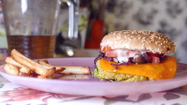 puskás peti eke angéla puskás dani interjú vegetáriánus vegán recept interjú puskás petivel vegán étkezés vegetáriánus étkezés vegán hamburger recept vegán hamburger