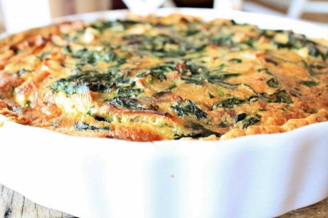 recept táplálkozás kiemelt saláta lencsesaláta quiche macaron desszert francia konyha vegetáriánus