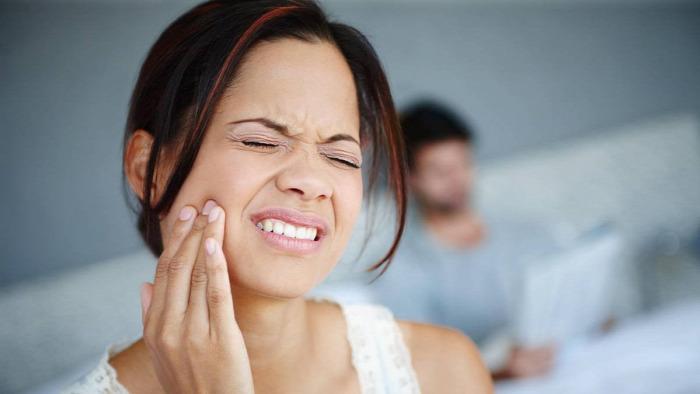 fogfájás egészség természetes tippek szegfűszeg borsmenta fáj a fogam