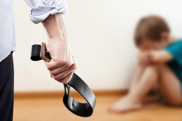 lélektan  mérgező szülő gyermek bántalmazás