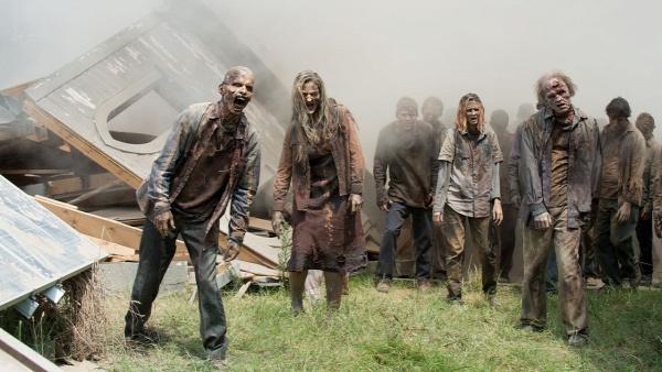mentális betegség bizarr sokkoló farkasember zombi önpusztítás zavar