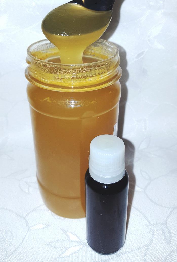 felfázás gyakori vizelés tőzegáfonya medveszőlőlevél cickafarkfű aranyvessző propolisz méz propoliszos méz propolisz tinktúra egészség méhanyuci gyógynövények