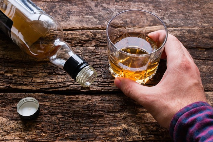 alkoholizmus szenvedélybetegség függőség addikció társfüggőség Dr. Kárpáti Róbert pszichiáter szakértő egészség lélek psziché