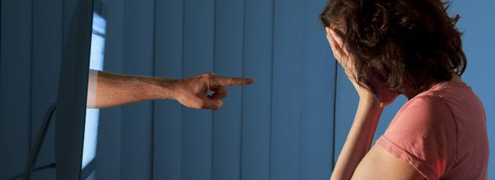 egészség egészségünkre online zaklatás pszichológia lélek szakértő Dr. Szeifert Noémi pszichológus