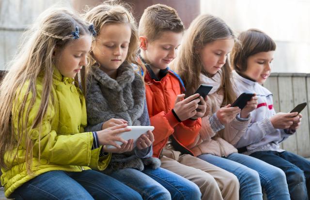 539ed6e028 Netfüggő gyerekek Gary Chapman Arlene Pellicane pszichológia psziché  egészség