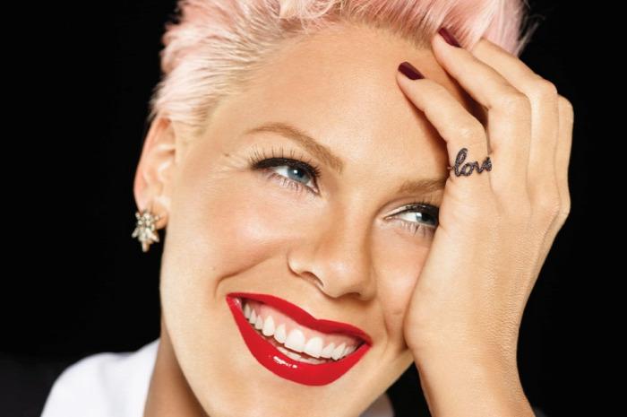 önbizalom Pink People magazin szépség psziché Dr. Szeifert Noémi pszichológus szakértő lélek sztárok starlight