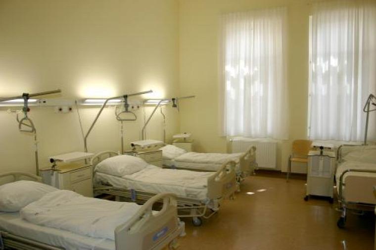 szülőszoba kórház magánklinika otthonszülés szülés