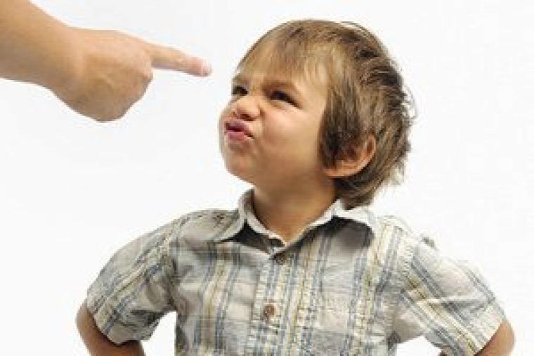 nevelés gyereknevelés irányítás türelem tiltás nem gyerek szülő