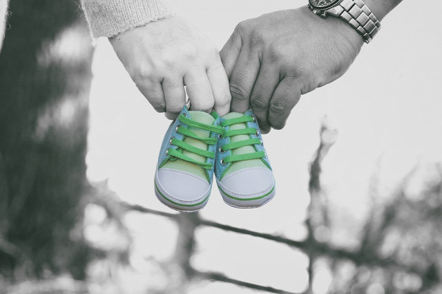 terhesség jelei terhesség görcsölés alhasi feszülés terhességi teszt mellfeszülés folyás szikhólyag