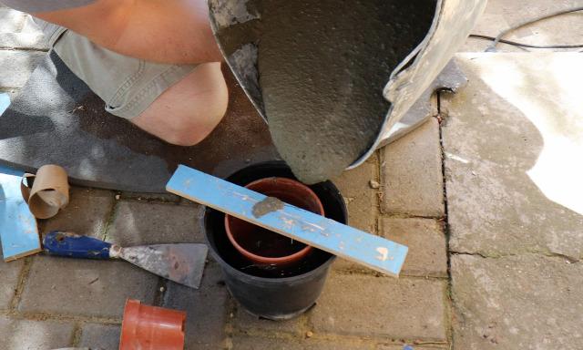 DIY csinaldmagad beton betonkaspó kert Kálmánnalazélet