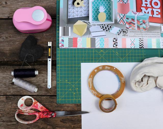 DIY gyerekkel csináldmagad gyereknap játék labda konzervdoboz papír