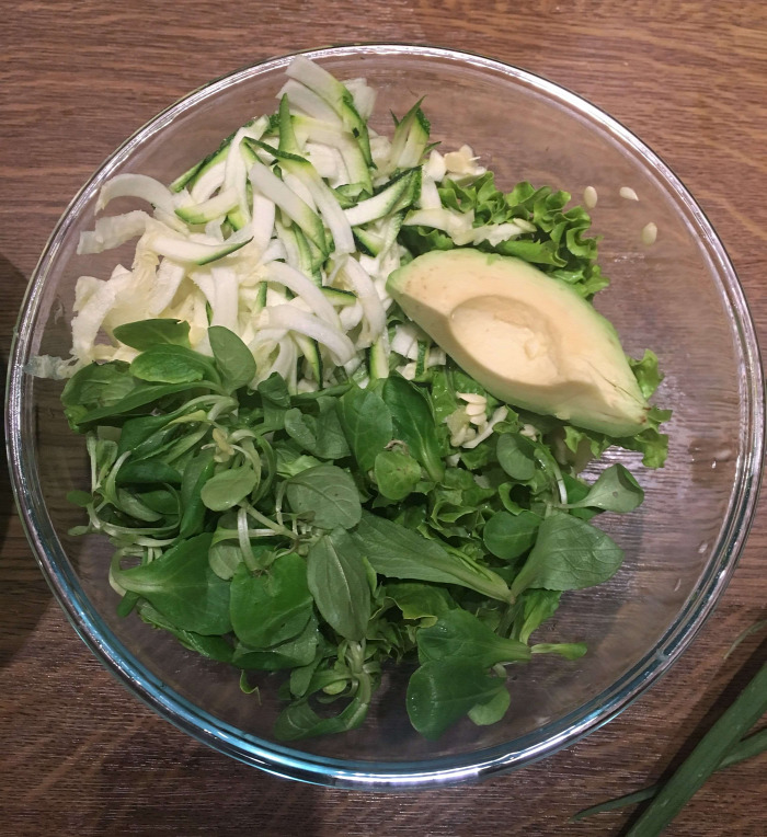főétel csak úgy ennék valamit utazások ízei ázsia buddha tál csicseriborsó koktélrák rizstészta saláta gluténmentes könnyed vitamindús gyors finom