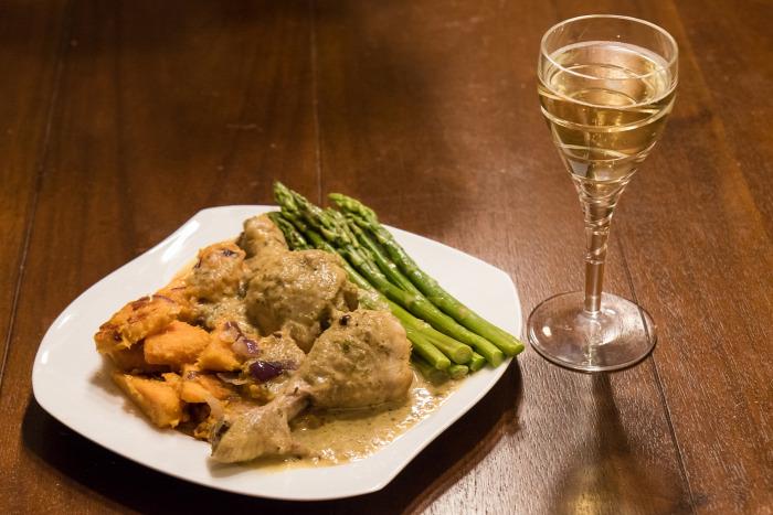 főétel csirke csirkecomb édesburgonya spárga pezsgő gluténmentes laktózmentes egyszerű