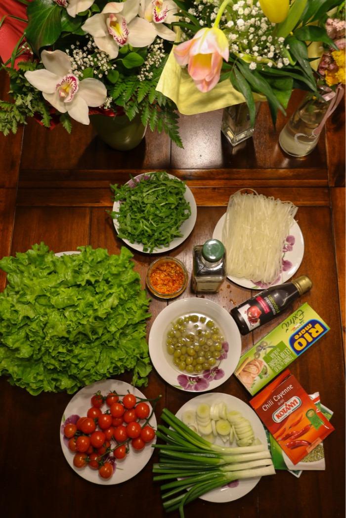 rizstészta tonhal olajbogyó rukkola saláta gluténmentes laktózmentes egyszerű gyors egészséges finom vitamindús főétel