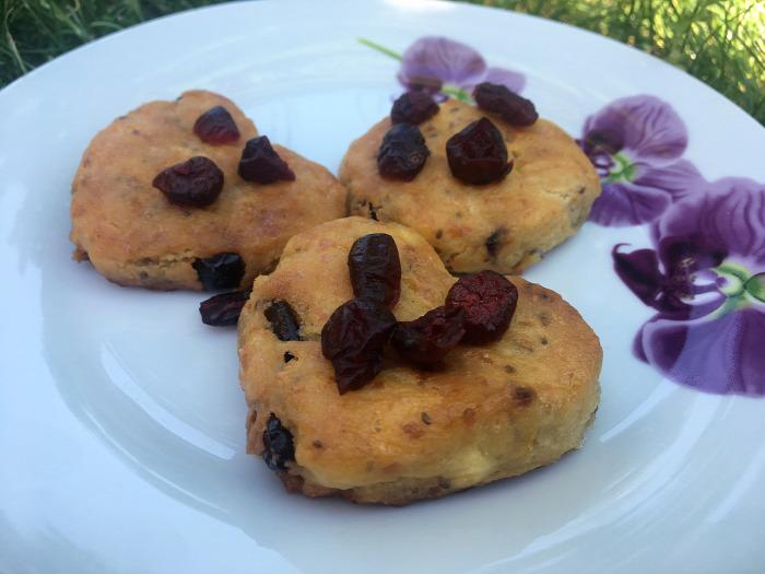 csak úgy ennék valamit gluténmentes pogácsa chia mag áfonya túró könnyed gyors egyszerű