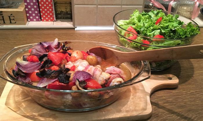főétel csirkecomb zöldségek saláta gluténmentes gyors egyszerű