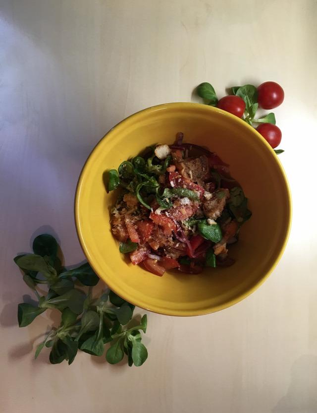 paradicsom saláta mediterrán kenyérkocka gyors könnyű
