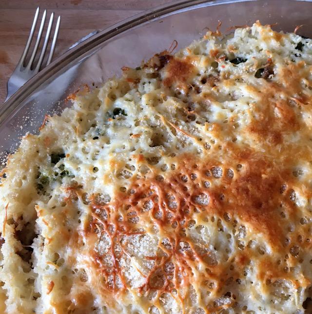 brokkoli rakott tejföl ress saláta dió mazsola