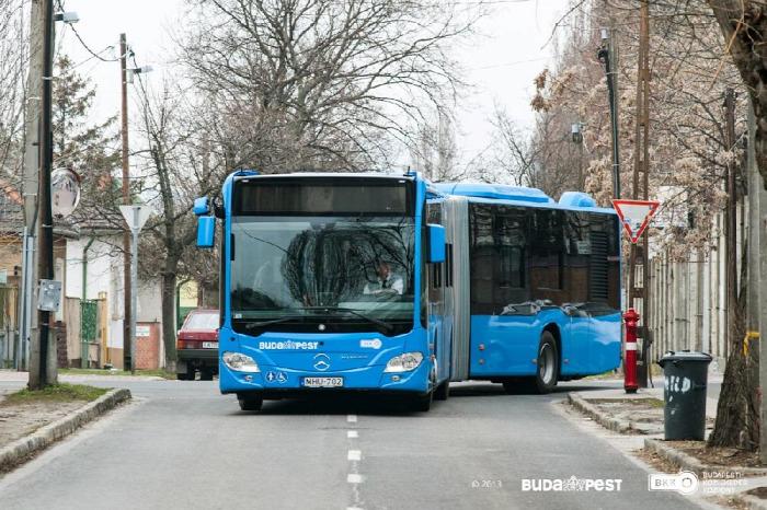 gördülő történetek  autóbusz  villamos  troli  metró  vezetők  utasok  BKK  VT Arriva  tömegközlekedés  közlekedési reality