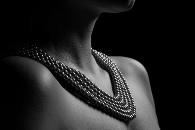 atkfotó nőiesség terápia önmegismerés aktfotózás önismeret bátorság