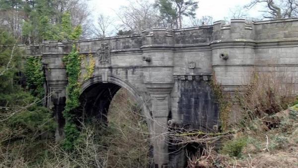 rejtélyek öngyilkos híd overtoun híd kutya