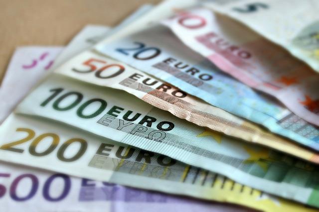 Gyaloglás pénzért