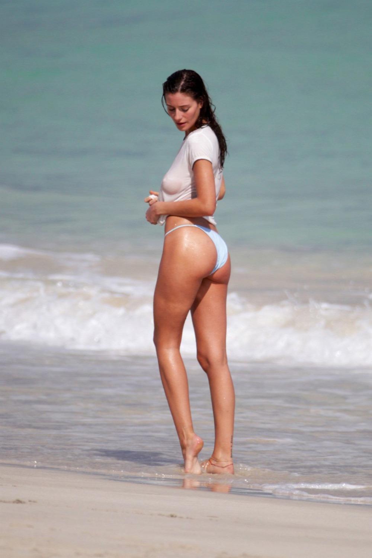 Alejandra Guilman Miami Beach candid