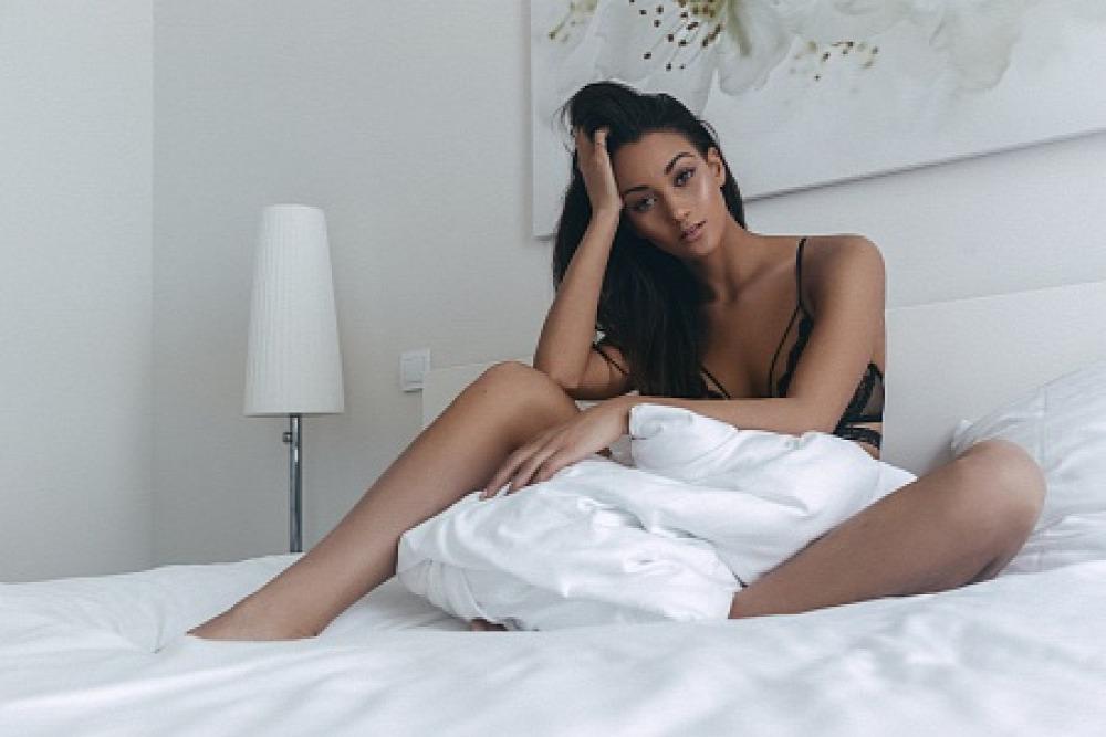 Navarrete Noémi Playboy nagydologsprint