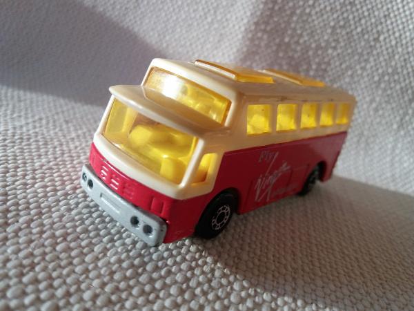matchbox airport coach superfast busz