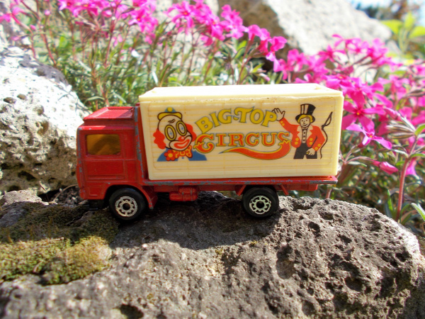 matchbox volvo volvo container truck 1981 1991 china