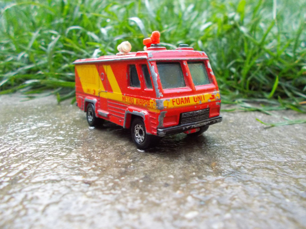 matchbox command vehicle foam unit macau 1980