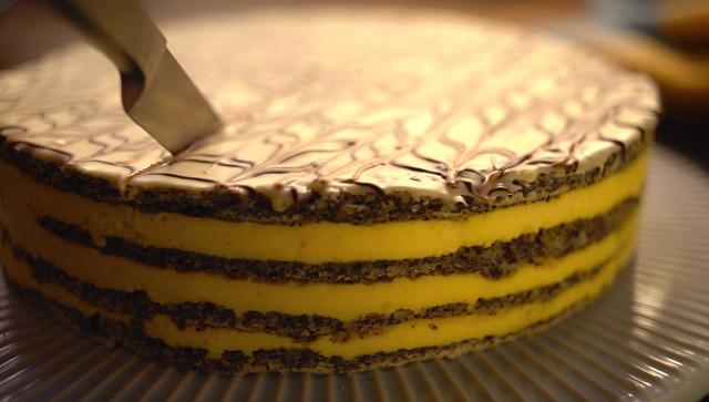 torta sütemény mák meggy