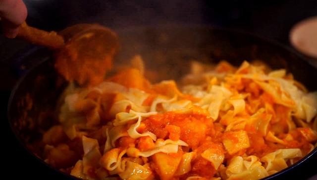 krumpli tészta uborka saláta hagyományos