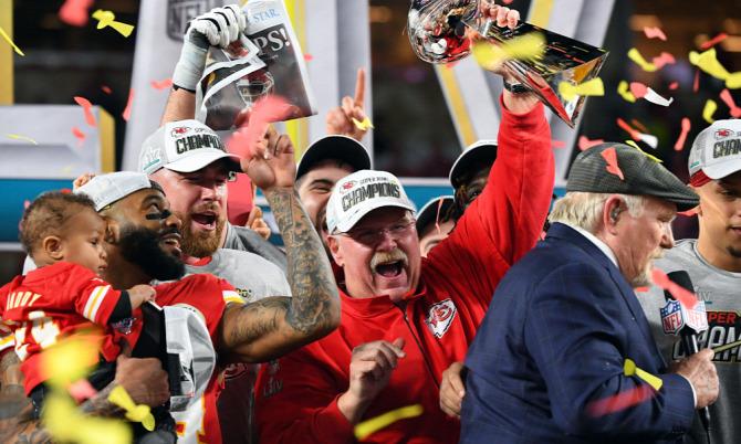 NFL SuperBowl SBLIV Amerika