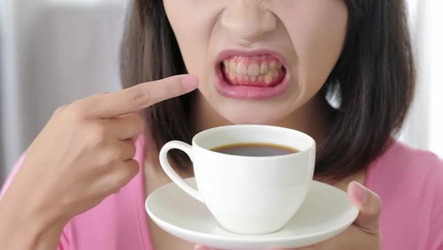 kávé fogorvos szájhigiénia fogfehérítés tippek