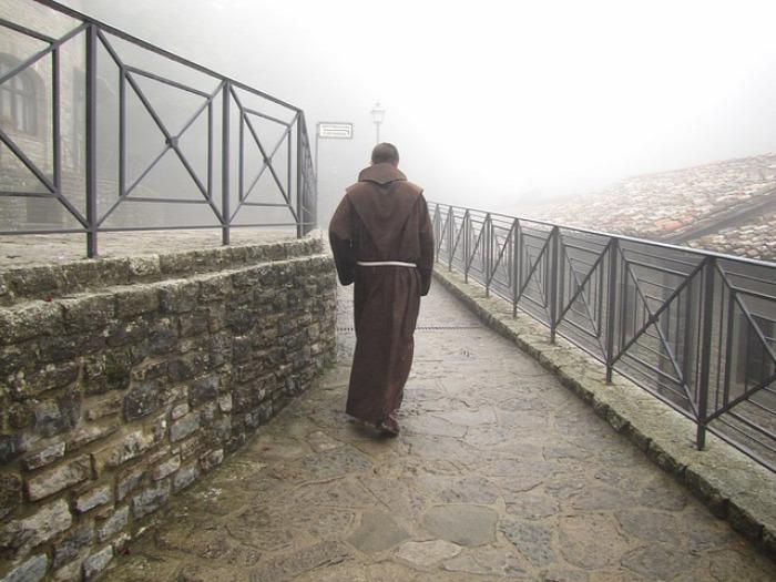 csoda pap hivatás szerzetes