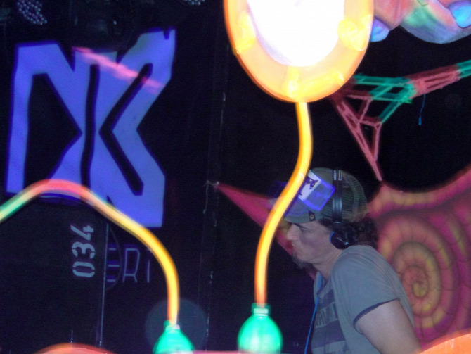 spring celebration goa psy psytrance Dürer-Kert r33 motozás ott psybaba goa.hu acid boogie tribe dj titusz dark megalopsy argentin izraeli brit sor ambient buli party parti tavasz péntek kép galéria album fotó