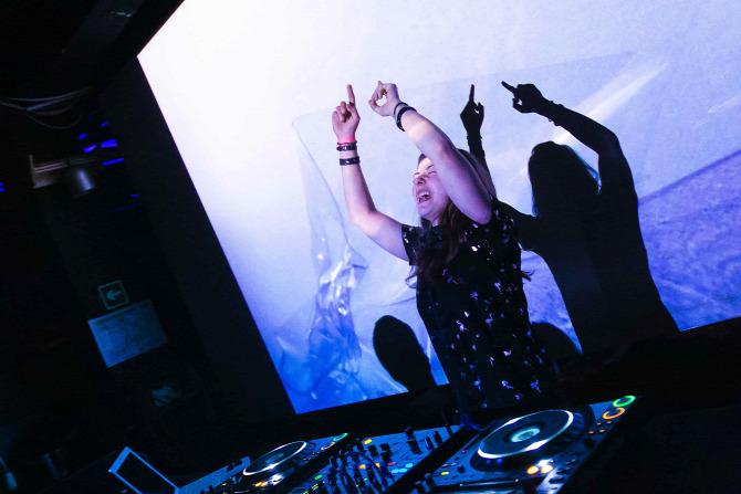 Szkafander meleg party buli parti sorozat album képgaléria galéria Koncertblog Session mix Legars dj Fatma Marion A38 hajó állóhajó Müszi comeback fotó kép
