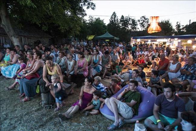 művészetek völgye koncert színház kapolcs ajánló fesztivál taliándörögd vigántpetend iamyank ingyenjegy belépő-nyereményjáték