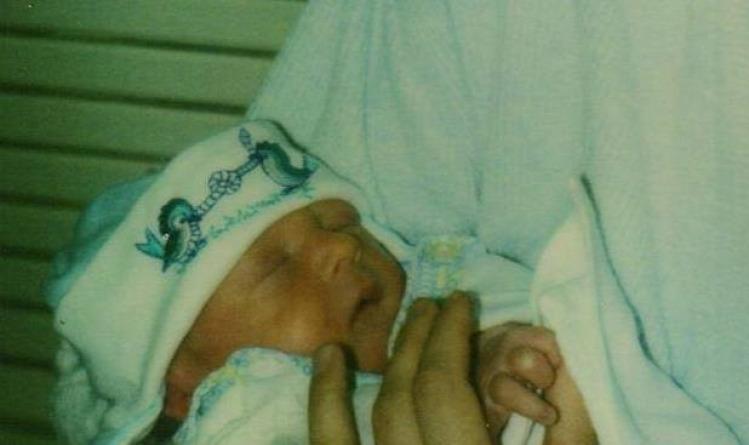 Borsoly szüléstörténet szülés császármetszés