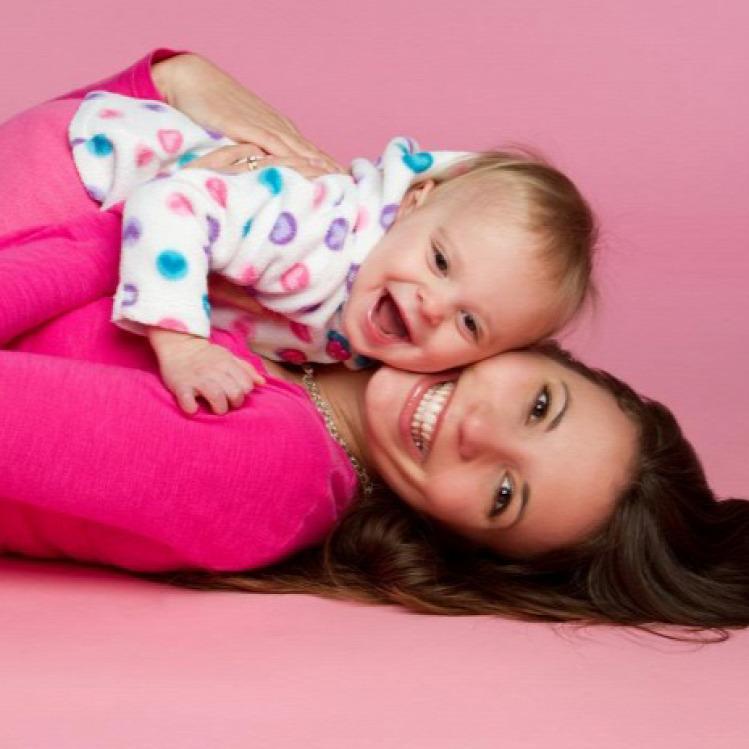 Lilla anya anyaság nő